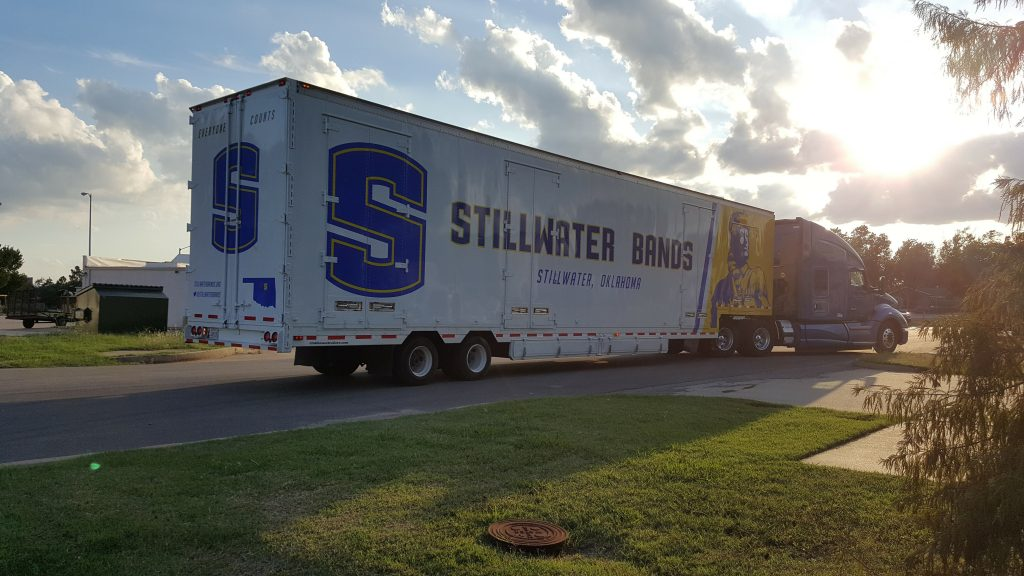 Stillwater High School Semil Trailer Leaving the clubhouse!